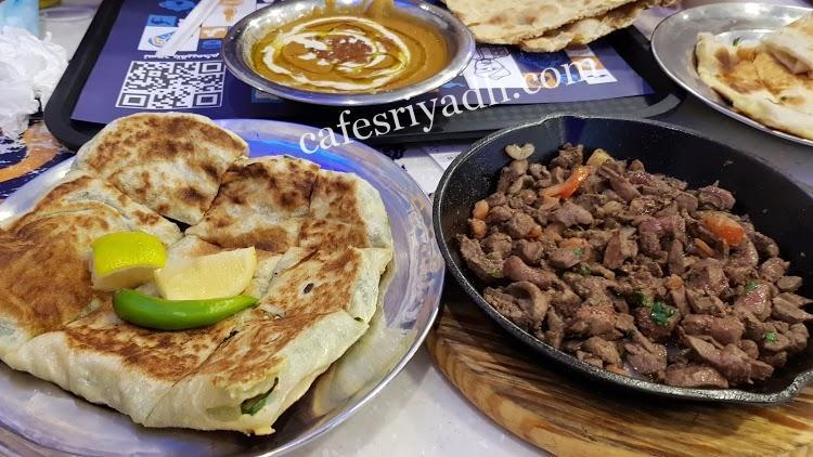 مطاعم شارع الأمير عبدالعزيز بن مساعد بن جلوي للاكلات الشعبية
