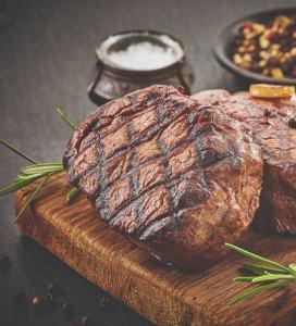 Heerlijke biefstuk bij Cafe Bistro Van Rooijen