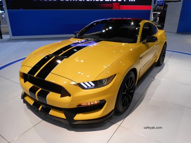 Ford Shelby GT350 Front