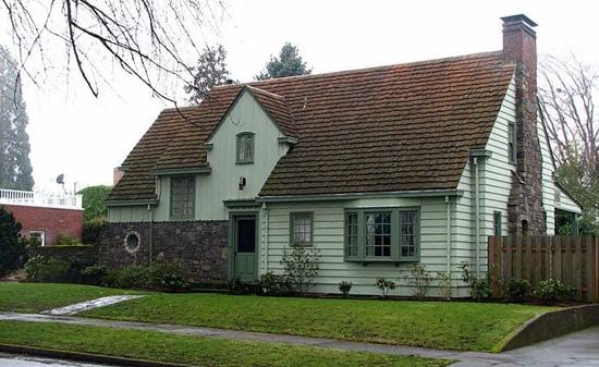 800px-West_Coast_Woods_Model_Home