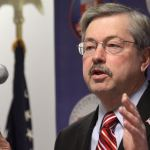 Branstad Signs Executive Order Addressing Common Core Concerns