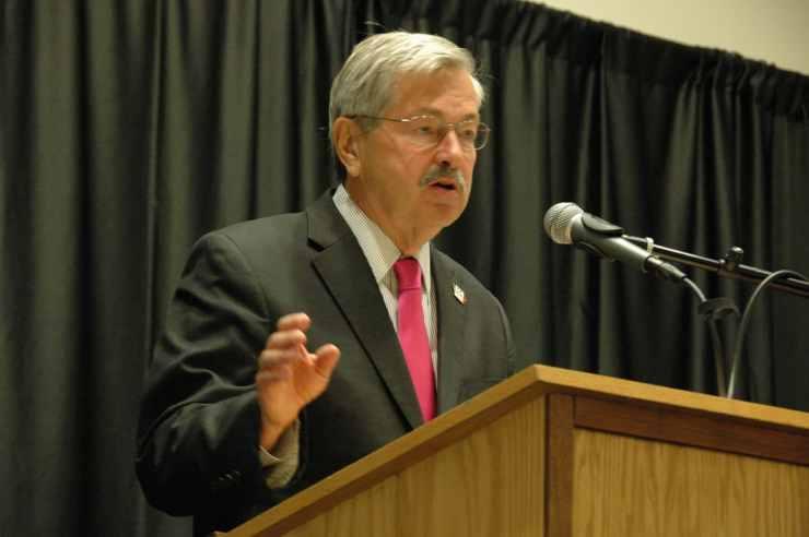 Iowa Gov. Terry Branstad addresses the Iowa Teachers & Administrators Leadership Symposium held on 8/4/14.<br> Photo credit: Iowa Department of Education (Public Domain)