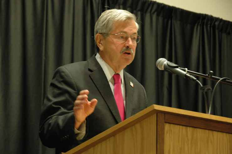 Iowa Gov. Terry Branstad addresses the Iowa Teachers & Administrators Leadership Symposium held on 8/4/14.<br> Photo credit: Iowa Department of Education (Public Domain)