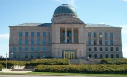 Iowa Supreme Court Building Photo credit: Ctjf83 via Wikimedia Commons (CC-By-SA 3.0)