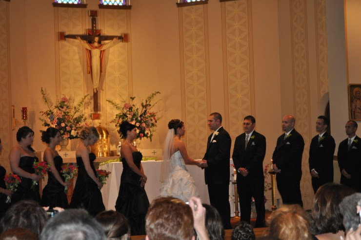 Catholic wedding ceremony in Milwaukee, WI in 2010. Photo credit: Nancy Heise (Public Domain)