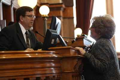 Speaker Kraig Paulsen conferring with Majority Leader Linda Upmeyer Photo credit: Iowa House Republicans