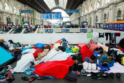 Syrian Refugees at a railway station in Budapest, HungaryPhoto credit: Rebecca Harms (CC-By-SA 2.0)