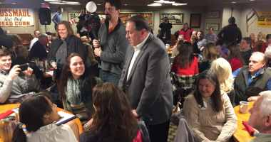 Former Arkansas Governor Mike Huckabee talks to students from Principia College in Illinois.