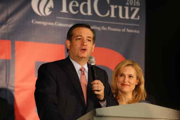 U.S. Senator Ted Cruz (R-TX) gives his Iowa victory speech with his wife Heidi looking on. Photo credit: Dave Davidson (Prezography.com)