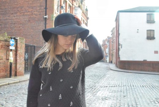 black wide brimmed hat, european style