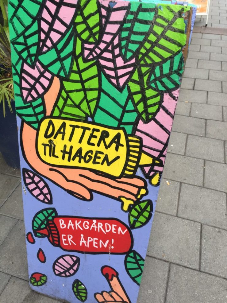 Dattera Til Hagen, Fun bar in Oslo