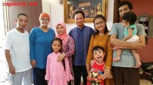 Foto Bersama Keluarga Ms Andila