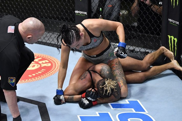 Poor old Shana Dobson is the whipping girl of the Women's divisions, as Casey O'Neill proves with hellacious ground and pound | Procopio vs O'Neill