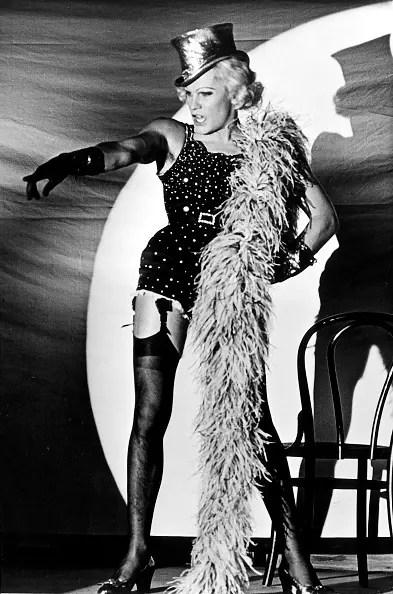 (GERMANY OUT) 1944Schauspieler, Ain einer Marlene Dietrich-Parodie in demFilm 'Die Verdammten`Regie: Luchino ViscontiItalien 1968 (Photo by Ulrich Hoppe/ullstein bild via Getty Images)