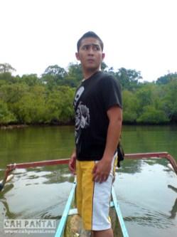 Tiba di Sempu, pose dulu biar kayak penemu benua