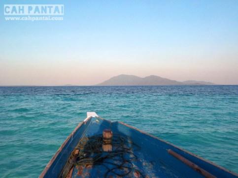 View Pulau Karimun dari Gosong Cemara Besar