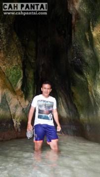 Di dalam Goa Kelelawar
