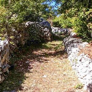muri in pietra di Mennella