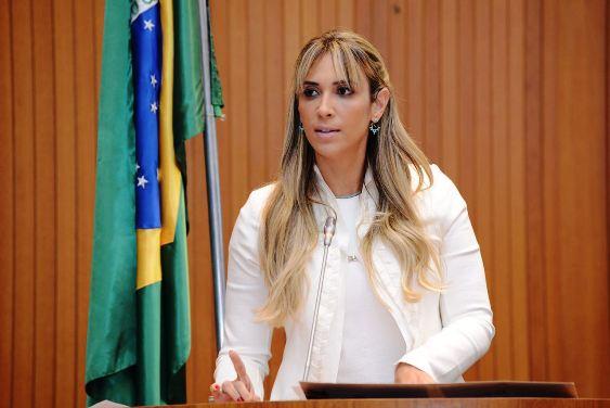ANDREA MURAD 270616