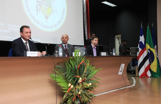 Foto 1 Palestra Luis Fernando na UFMA foto Handson Chagas[1]