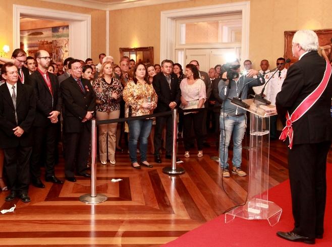 Foto 1 entrega medalha do mérito timbira foto Handson Chagas