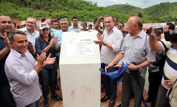 Foto 2- Governadora inaugura estradas foto Handson Chagas[1]