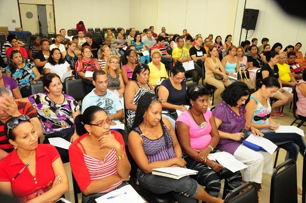 Foto 2 - SES - medicos estrangeiros foto Nestor Bezerra