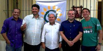 Raimundo Filho ao lado de Kim Lopes, Caetano Jorge, Thiago Aroso e Augusto Barbosa