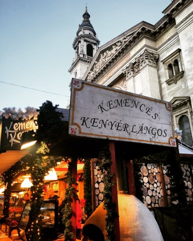 Christmas markets are some of the best times to try a country's traditional food. Budapest will tempt you with every treat imaginable, salty or sweet. Where to find these delicacies? At one of Budapest's best Christmas markets!