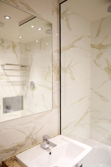 The-Busby-Executive-Shower-1