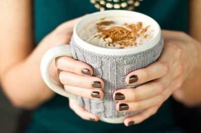 Sips and Tips: Vanilla Cinnamon Spiked Hot Chocolate and a Double-Dip Manicure: http://www.stylebistro.com/Nails/articles/ohz3mlHokyS/Sips+Tips+Vanilla+Cinnamon+Spiked+Hot+Chocolate