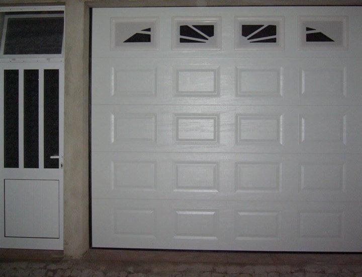 Porta basculante automática