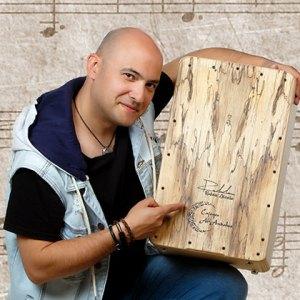 Rubén Lázaro percusionista cajones al-andalus