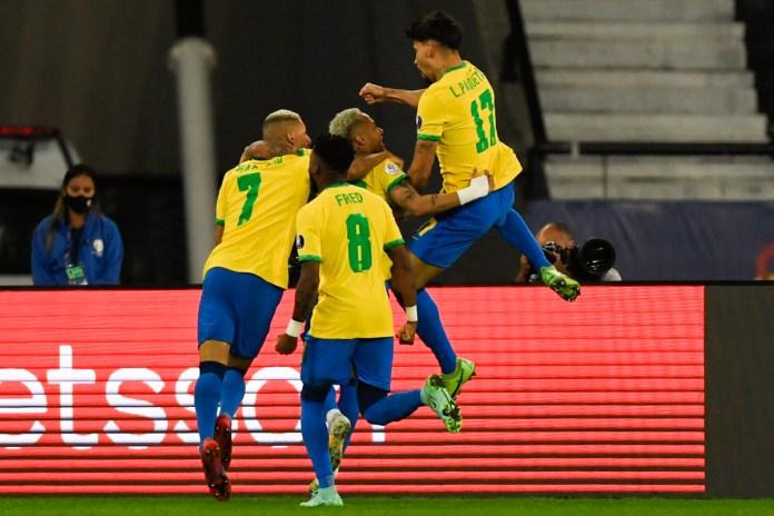 Brazil mara ke separuh akhir, Paqueta hampakan Chile