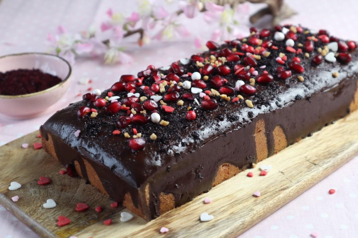 Valentinstage-Kuchen mit Schokoladen-Glasur von Cake Confession