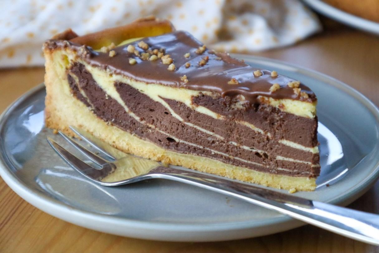 Detailaufnahme des Zebramusters im Käsekuchen von Cake Confession