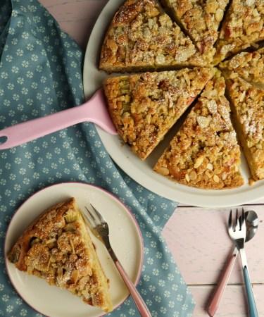 Rhabarber-Streusel-Kuchen von Cake Confession