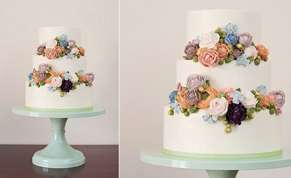 Buttercream Flowers   Tutorials     Cake Geek Magazine buttercream flowers wedding cake by Miso Bakes  Syliva G Photography