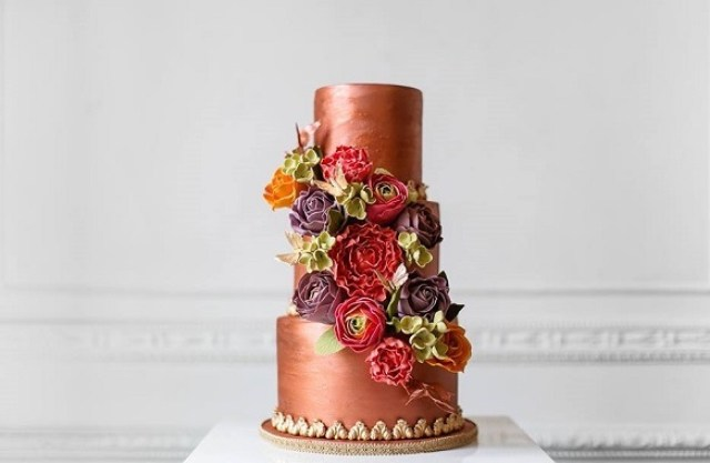Copper toned wedding cake by Elizabeth's Cake Emporium, Nora Photography