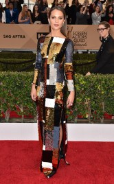 Alicia Vikander in Louis Vuitton - SAG Awards 2016