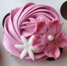 Vanilla raspberry cupcakes