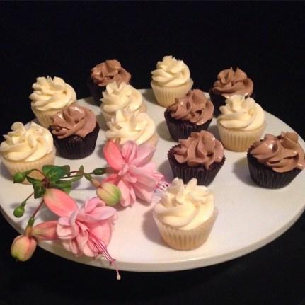 Chocolate & Vanilla cupcakes