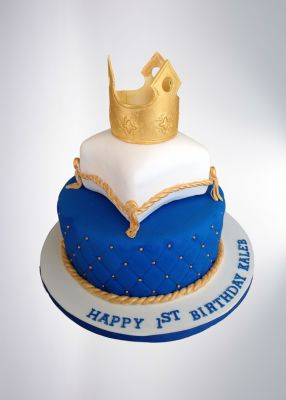 Pillow Cake With Crown