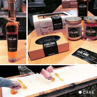 Un mandat de branding/packaging qui se termine en une virée à la cabane, ça on aime! Un gros merci à l'équipe d'Érablière Ferland de nous avoir si bien accueillis. Vos produits sont juste TROP BONS! #mandatdecirconstance #tempsdessucres #ÉrablièreFerland #thinkcake #tempsdessucres #sortiedéquipe #produitsdérable #sodelicious #packaging #branding #imprimé #design #érable #sirop #siropderable #cabaneasucre