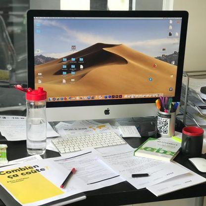 Employée du mois 🤓  Stéphanie, nous tenions à souligner l'organisation de ton bureau ainsi que tous les efforts mis en place pour être la seule à te comprendre! 🤷♀️