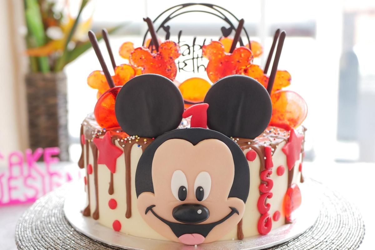 Drip Cake Mickey Mouse