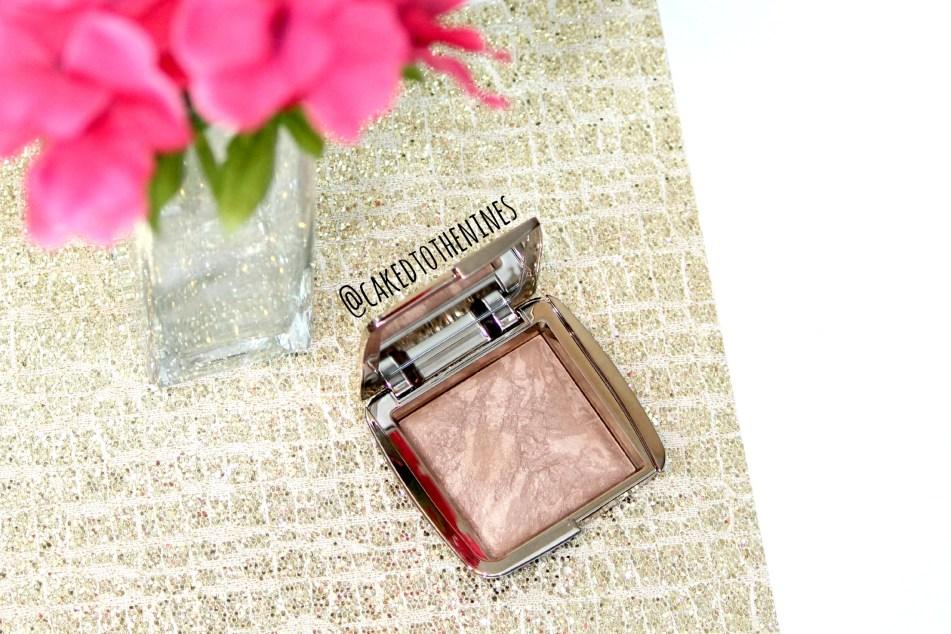 Hourglass Radiant Bronze Light Bronzer review, Hourglass Bronzer swatches, Hourglass radiant bronze light review, hourglass radiant bronze light swatches, hourglass bronzer swatches and review, Hourglass bronzer