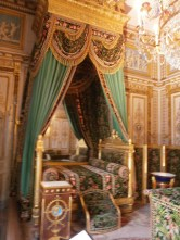 Bedroom (possibly Napoleon's): I like the steps!