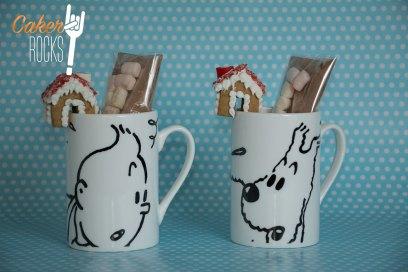 Minicasas de jenjibre con pack para chocolate caliente
