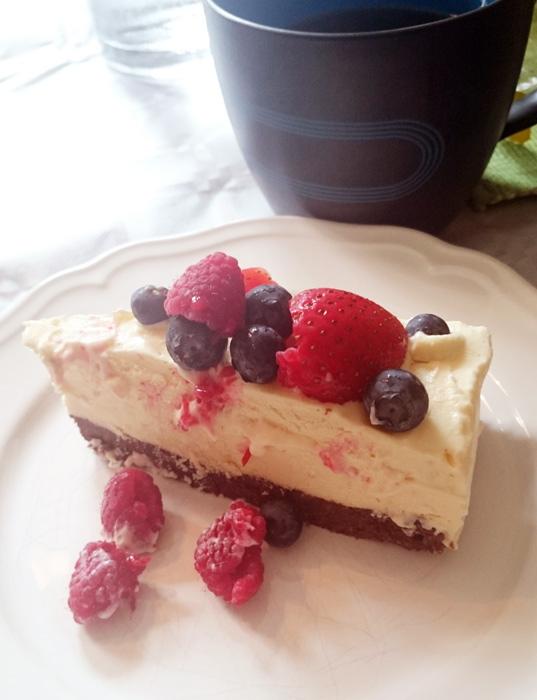 Vit chokladmoussetårta - white chocolate mousse cake